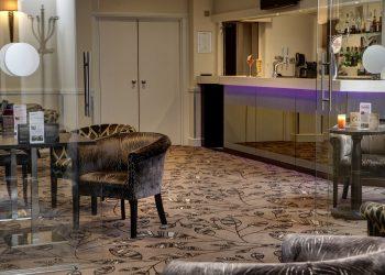 Lounge & Bar area